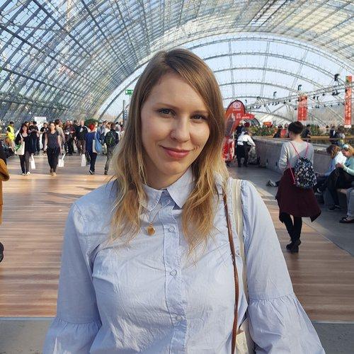 Dr. Anja Thiele