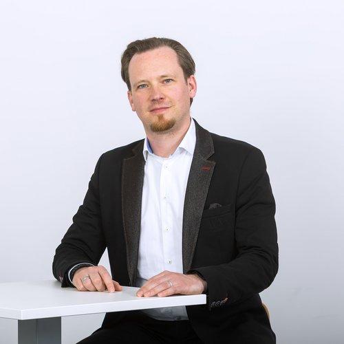 Dr. Mario Hesse