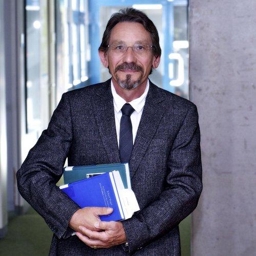Prof. Dr. Rudolf Schlögl